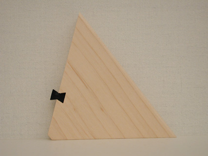 Side view of the dovetail easel Back.